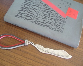 Bookmark feather with leather/Feather bookmark metal/signet plume/livresignet