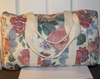 90's FLORAL DUFFLE BAG // Travel Duffel Large Fabric Bag Off-White Ivory 80's Carry On All Tote Purse Bag Gym Weekender Canvas Pink Roses