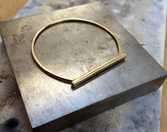 Hammered Bar Bangle Bracelet in Brass