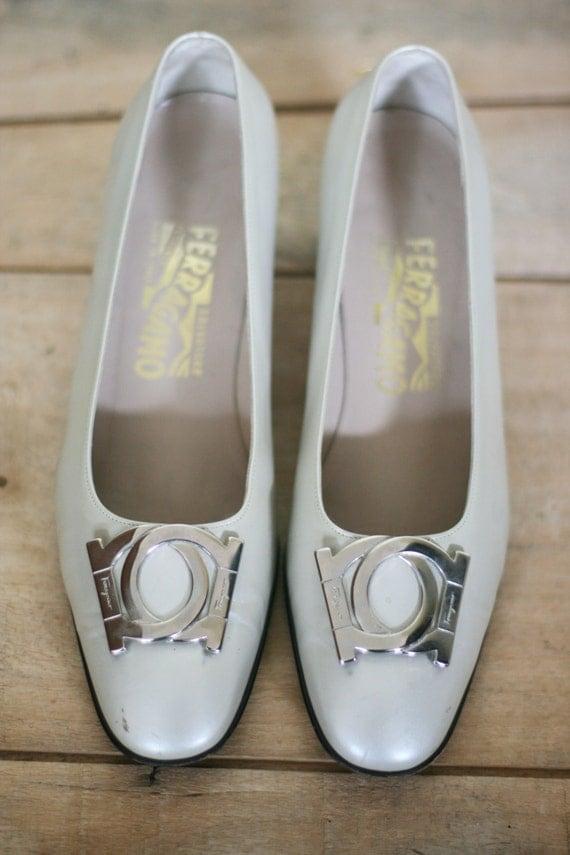 cheap vintage ferragamo womens shoes pearl size 75B ... bc478214b