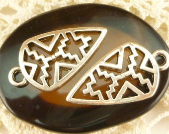 County Western Design Shield Charms (6) - S91