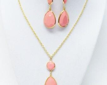 Peachy Pink Tear Drop Acrylic Bead Pendant Necklace & Earrings Set (no stone)
