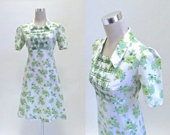 Mini Dress - Vintage 1970's Dress - Smocked Bib - Cabbage Rose Summer Dress