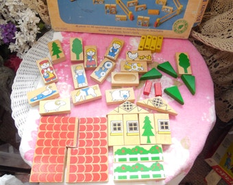 Farm Building Set Made out of wood with wood tray/Vintage Toy,Preschool Toy, Building Toys, Wood Blocks, Preschooler Toys, Wooden Toys, :)s