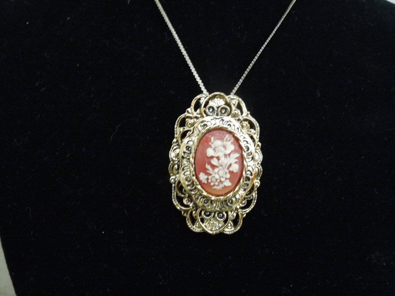 vintage gerrys pendant on gold tone chain doubles as a