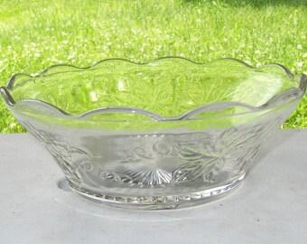 Vintage Serving Bowl Maple Leaf Design Fall Thanksgiving Scalloped Edge D10