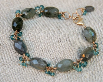 Stunning, dangly labradorite bracelet with blue accents and 14kt gold filled clasp
