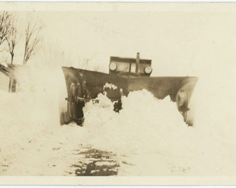 Anthropomorphic Snow Plow with Spinning Rotors : c1930s Vintage Photo Snapshot 55364