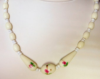 Vintage Milk Glass Floral Necklace     15 3/4 Inches