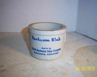 1930's South  Kaukauna Dairy Co Wisconsin 2 1/2 inch tall stoneware pottery cheese jar