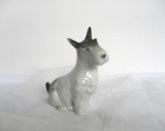Vintage scottie dog figurine - vintage scottie dog ornament - vintage dog figurine - scottie dog ornament - ceramic scottie dog figurine