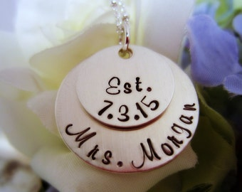 Mrs Necklace, Personalized Bridal Shower Gift, Gift for Bride, Personalized Wedding Date Necklace, Bride to Be Gift, Gift for Bride to Be