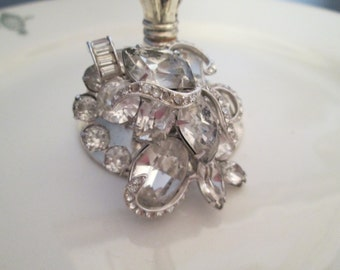 Vintage KRAMER Clear Rhinestone Brooch Pin Stunning TVAT EPSteam Shabby Jeanne D Arc Style Nordic Chic