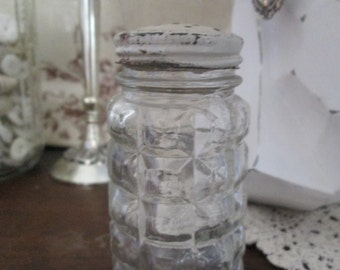 Vintage Anchor Hocking Clear Glass Bubble Salt or Pepper Shaker Chippy Lid Cream Hat Pin Holder TVAT EPSteam WLVteam Shabby