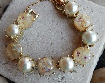 Vintage 1950s Coro Confetti Lucite Pearl Gold-Tone Bracelet