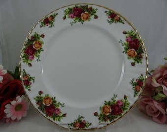Delightful Vintage  English Bone China Royal Albert Old Country Roses Dinner Plate  - 5 Available