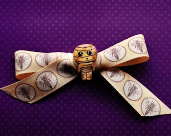 Hand sewn Beehive boy Bow with Bee pattern