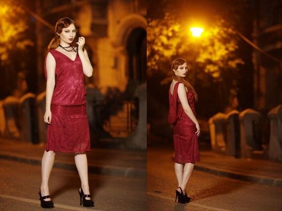 Que mettre avec une robe rouge bordeaux