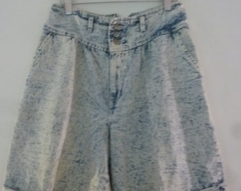 80's Acid Washed Denim Shorts High Waist Distressed Baggy Cotton by Chic Made in USA Size 6