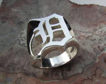 Old English D ring .925 Silver, 11.5 grams tw. size 10.75, Custom made split shank design,  solid Cad/hand carved model. Go Detroit!
