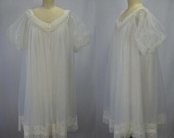 1960s Dreamy White Nylon Chiffon Nighty & Peignoir Set Size Medium