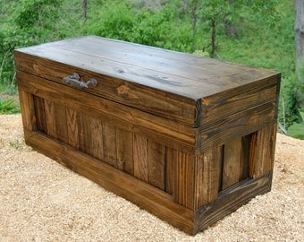 Hope Chest/ Coffee Table/ Bench With Storage/ Mud Room/ Entryway/ Large