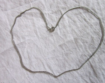 Vintage Silver Tone 17 inch Chain Necklace