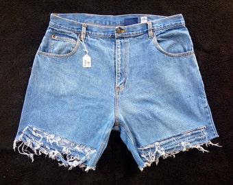 High Waisted Distressed Shorts size 18