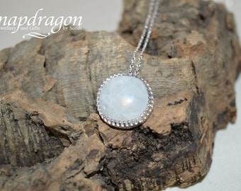 Moonstone cabochon prong set necklace