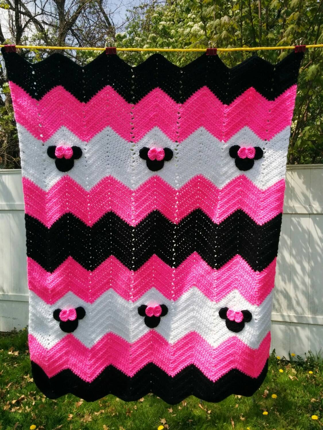 Crochet Pattern For Minnie Mouse Blanket : Minnie Mouse or Mickey Mouse Inspired Blanket 33x43 inches