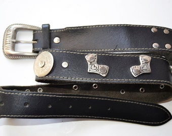 MUSTANG black leather belt