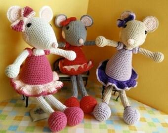 Mouse amigurumi baby doll