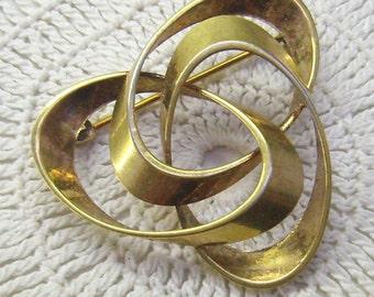 """Mid Century """"AMERIKANER"""" Rolled Gold Swirled  Brooch...Hallmarked A*D ...Gold Swirled Abstract Brooch...Andreas Daub Pin"""