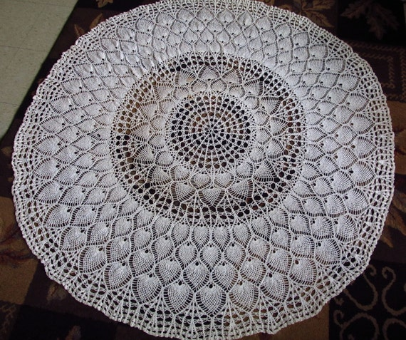 60 inch cotton crochet tablecloth round vintage peacock. Black Bedroom Furniture Sets. Home Design Ideas