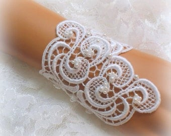6.5 inch -  WhiteVenise Lace Bridal Bracelet / Wedding Lace Bracelet / Bridal Wrist Cuff / Bridesmaid Bracelet