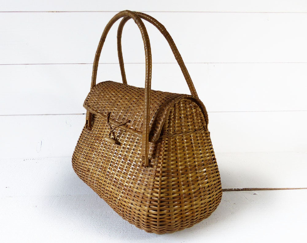 Vintage french fishing creel basket nos wicker by laloupiote for Fishing creel basket