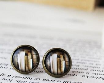 Vintage Books Earrings - Library Stud earrings  - Book Stud earrings - Gift for her - Books on shelf Earrings - Vintage Retro