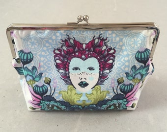 Metal frame kiss lock purse Elizabeth