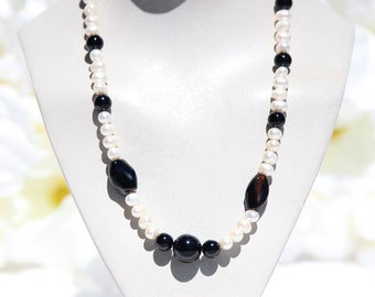 Vintage Faux Pearl & Black Bead Necklace