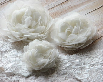 Ivory hair flower Ivory hair peonies Ivory wedding peony Hair peony clip Ivory hair clip Wedding hair accessory Bride ivory hair clip