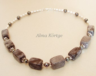 Gemstone chain necklace agate shell pearls