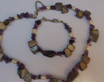 vintage shell,amethyst and pearl necklace and bracelet set