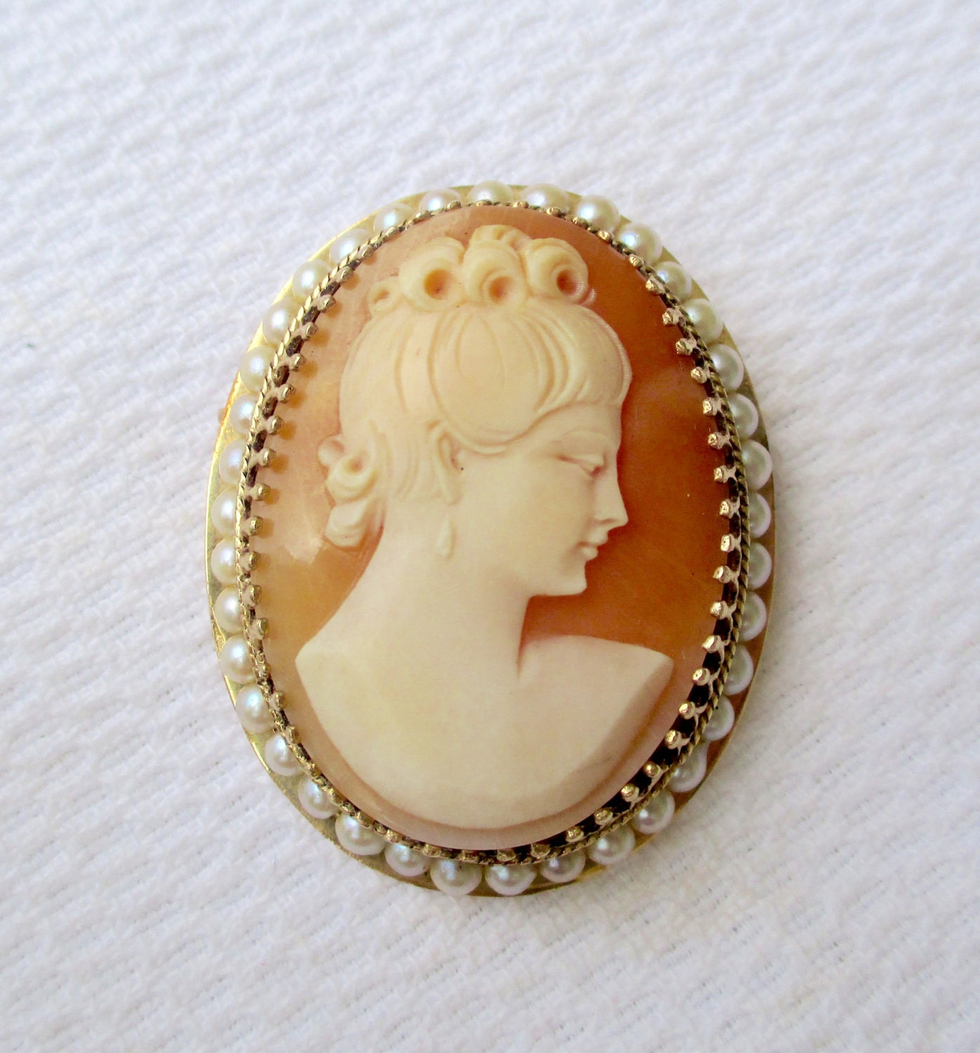 antique 14k gold shell cameo pendant pin pearl framed 14k