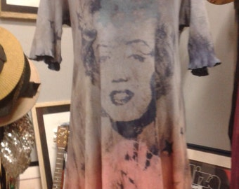 Hand Tie-Dyed Marilyn Monroe Star Dress... Really Cool. (sleeves can be made shorter)