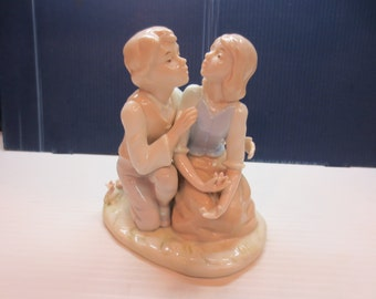 Vintage Young Couple In Love Figurine