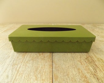 Vintage Green Plastic Scallop Trim Tissue Box - Decorative Mid Century Tissue Holder