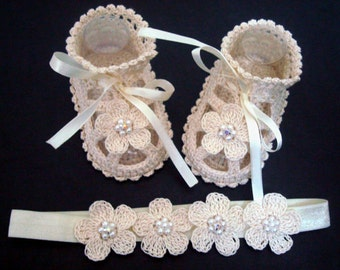 Cream Headband and Sandals Baby Set, Baby Shoes, Beige Shoes, Crochet Baby Sandals with Headband. Baptism Shoes with flower. Set in Cream.