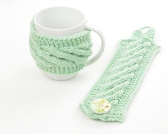 Cup cozy, coffee cup cozy, mint, light green, knitted, handmade, merino wool
