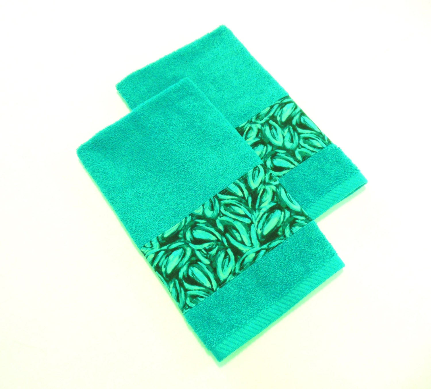 Teal hand towels decorative bathroom towels modern set of 2 for Decorative bath towels