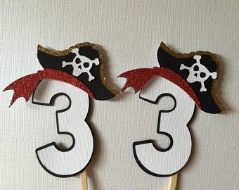 Pirate cupcake toppets